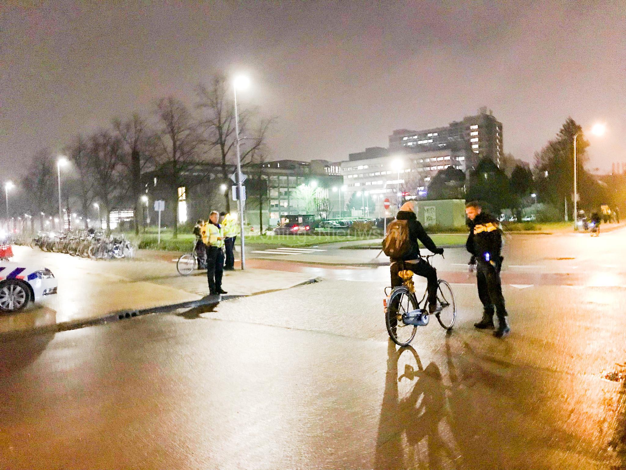 Politie schrijft 419 boetes uit voor fietsers zonder licht ...