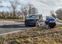 Auto's botsen op Groningerweg bij Zuidwolde