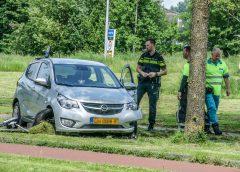 Auto's botsen op Zuiderweg in Hoogkerk